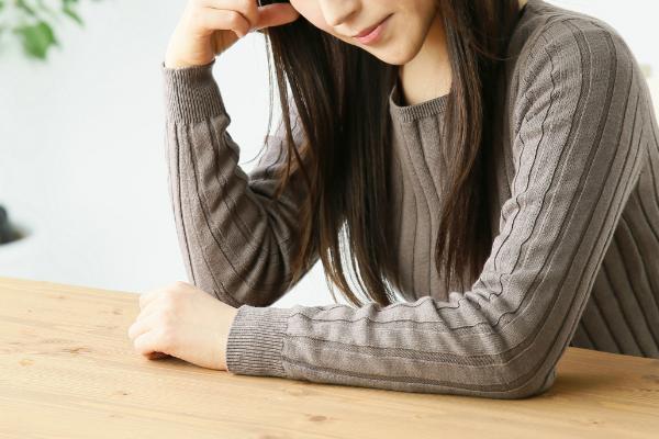 ストレスや生活習慣の乱れも原因に